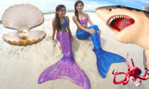 kidtoytesters-mermaid-girls-diving-for-oysters